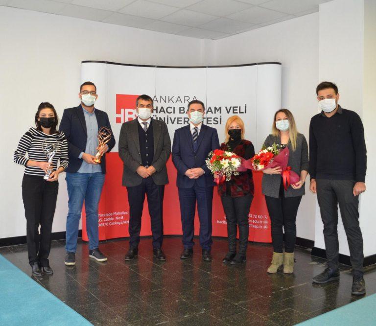 Tekin, TRT'den ödül alan öğrencileri kabul etti